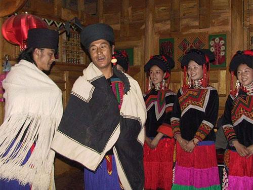 康巴彝族的婚俗文化