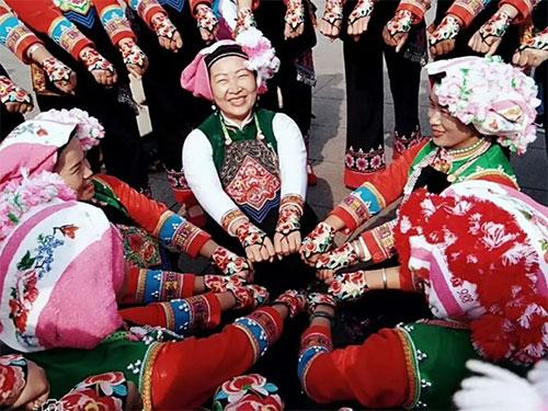 政府主导下的传统彝族花灯——以永宁村文艺演出为例
