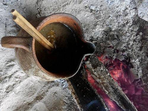 彝族人独特的用茶方式:彝族油茶