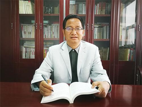 杨正权:高举铸牢中华民族共同体意识的思想旗帜