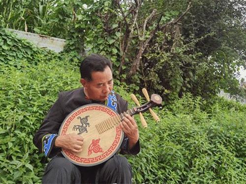 威宁县板底乡——彝族风情藏深闺 绚烂文化等人识