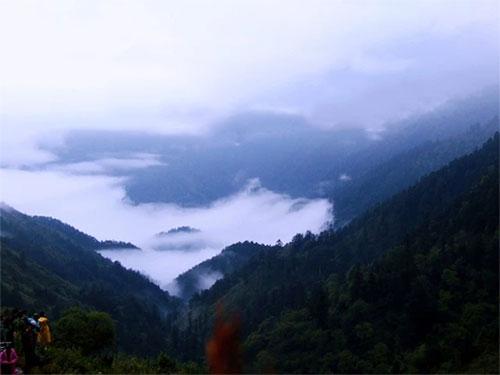 """旅游探险:神秘、原始、风景秀丽的彝族鬼谷""""达布洛魔"""""""