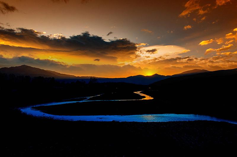《蓝色畅想曲》--吉格阿加摄--九都乡