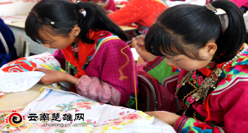 五街镇校园彝族民俗文化氛围浓316